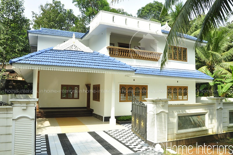 3000 square feet double floor traditional home design for 3000 sq ft house plans kerala style