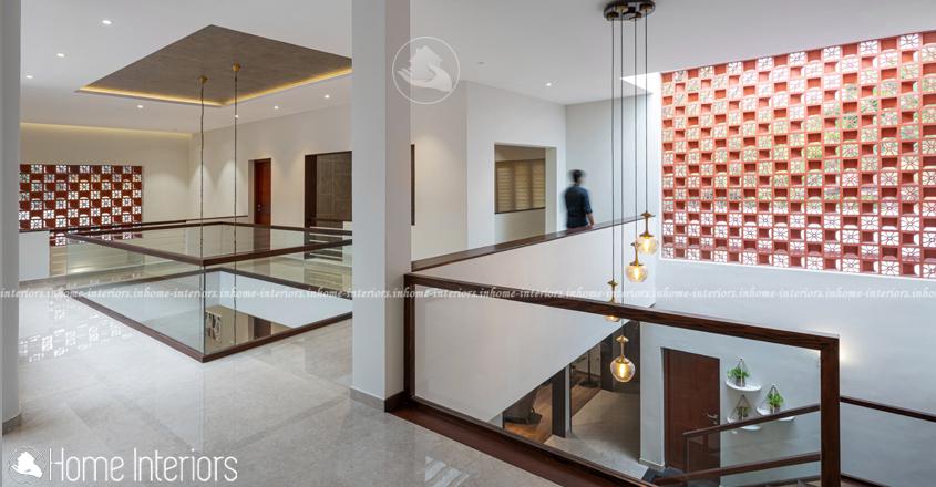 5300 Square Feet Double Floor Contemporary Home Design